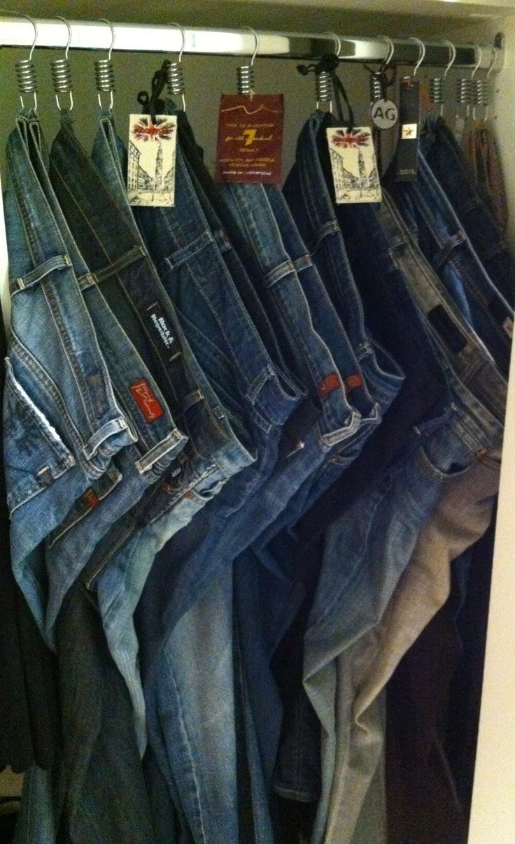 ang your jeans on shower hooks to make them more assessable