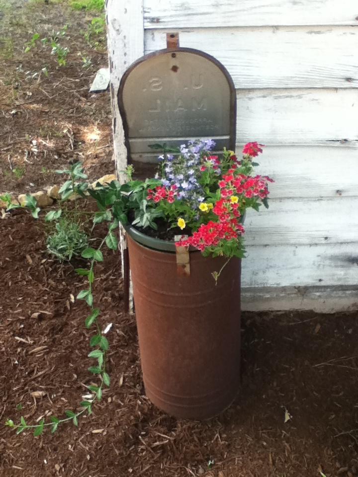 Mailbox Planter