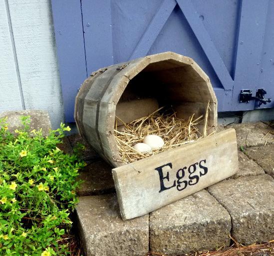 Wooden Barrel Nesting Box