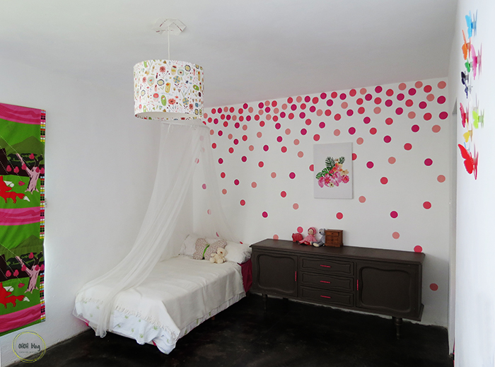 15 simple diy home decor projects for How to make polka dots on wall