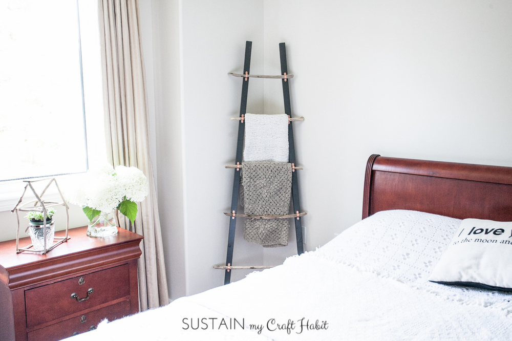 Rustic Coastal Blanket Ladder with Driftwood