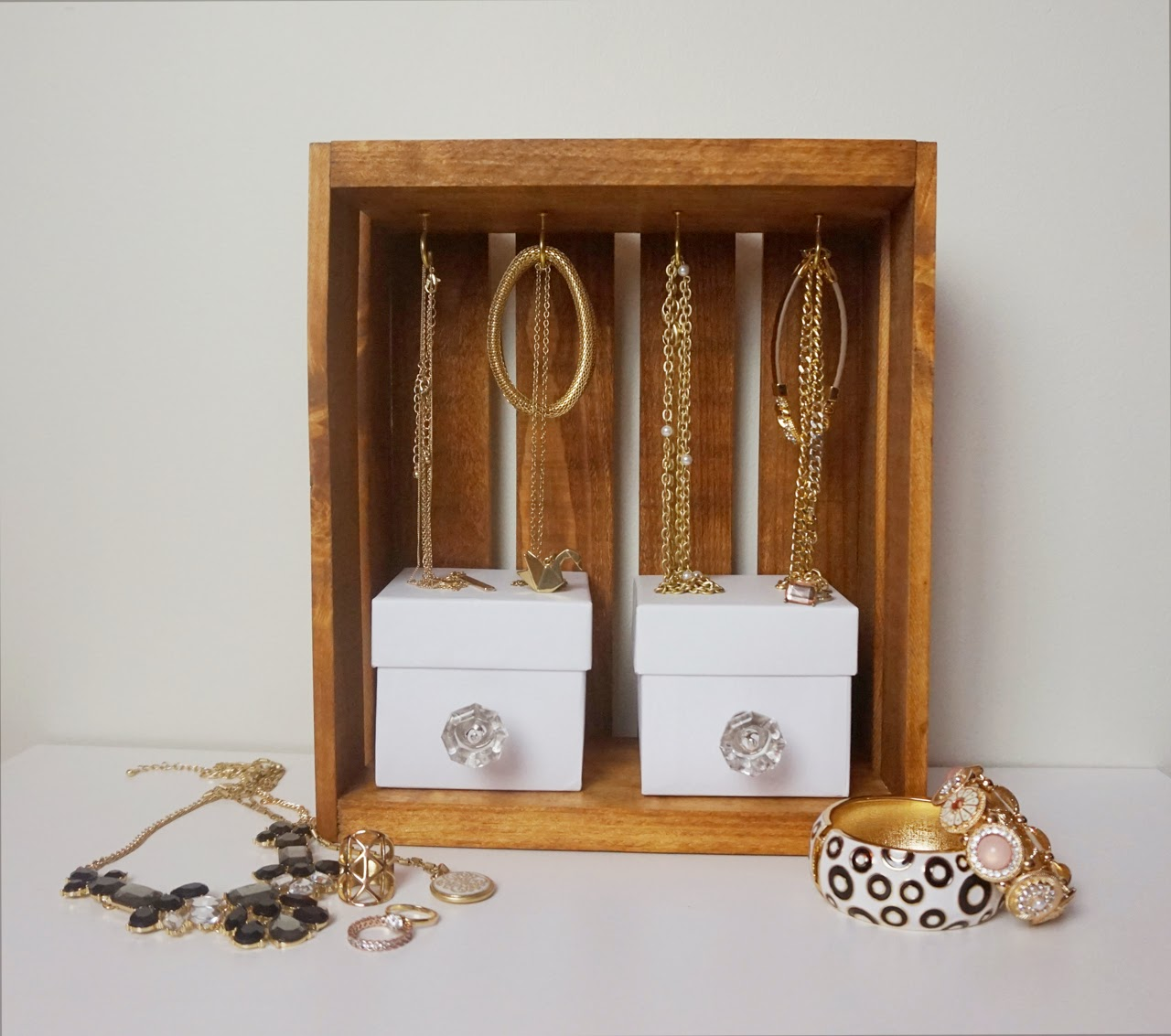 Crate Jewellery Display