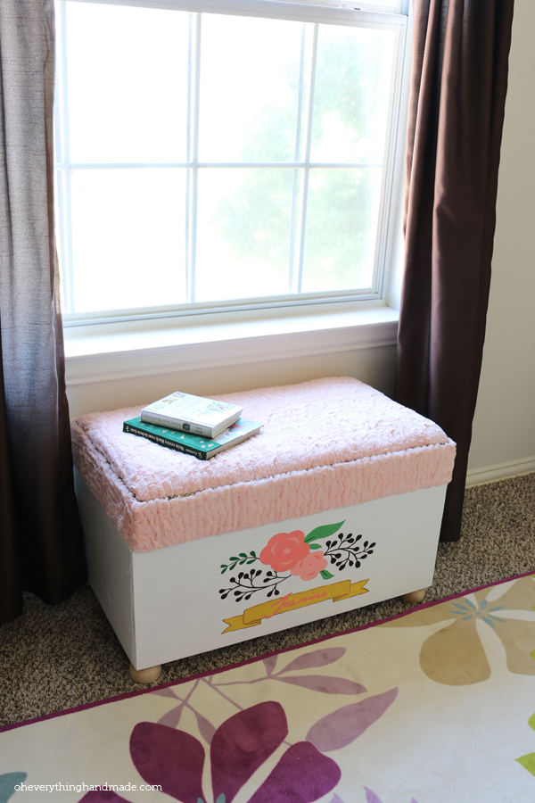 Toy Chest with Seating