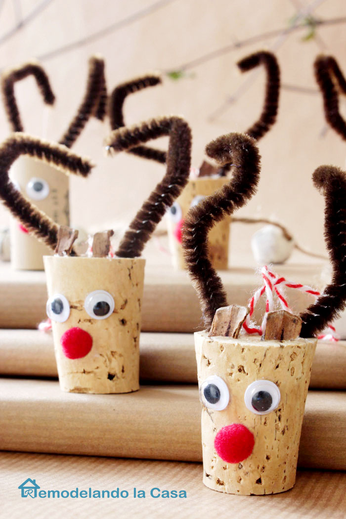 Wine Cork Reindeers