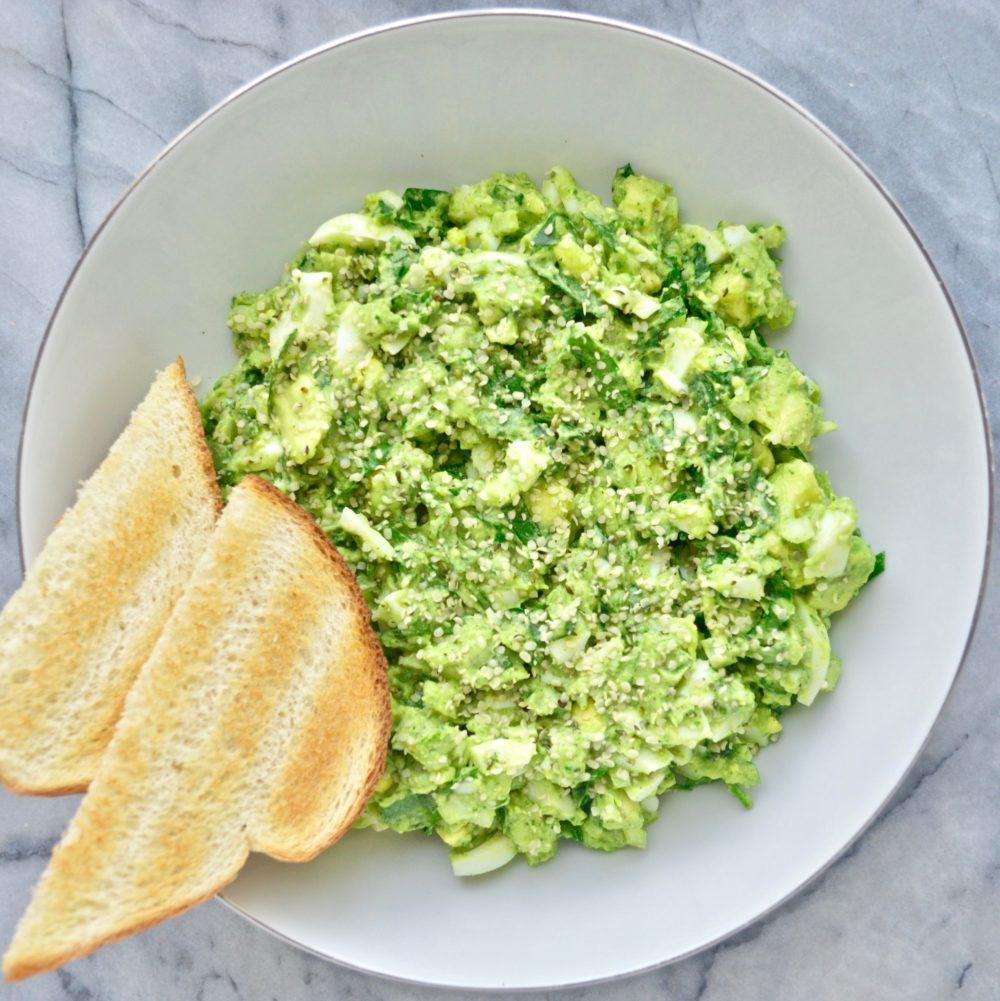 avocado egg spinach salad